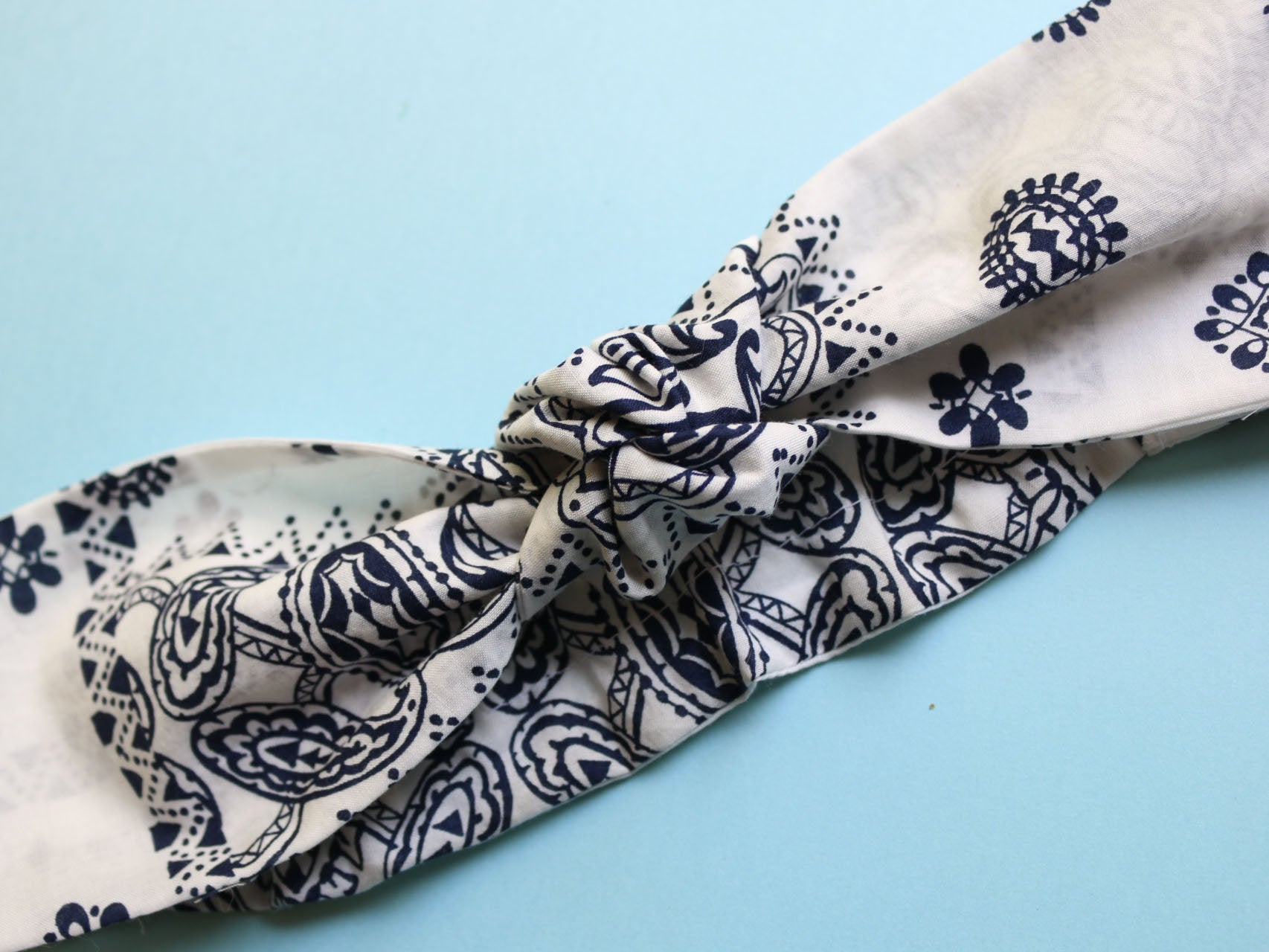 Top Knot headband made of Bandana printed cotton