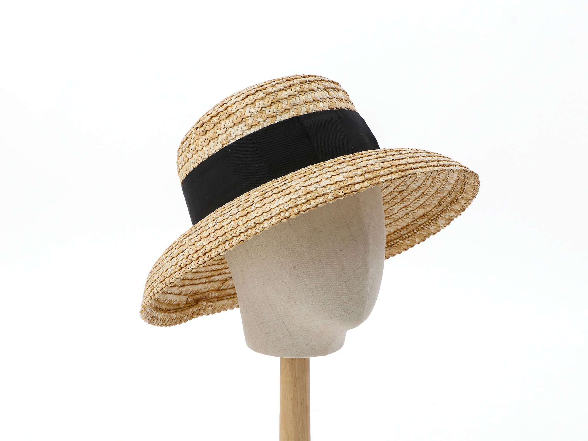 Casablanca Hat made of classic straw braids Gardenia