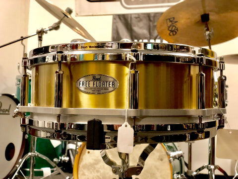 Pearl Free Floater Brass Snare Drum 14x5 - Demo