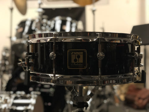 Sonor Delite Snare Drum - Maple shell - 14x4 - Black wrap - WITH VIDEO