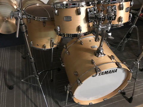Yamaha New Tour Custom Maple BUTTERSCOTCH SATIN TOUR CUSTOM 4PC drums+ Stands & Pedal