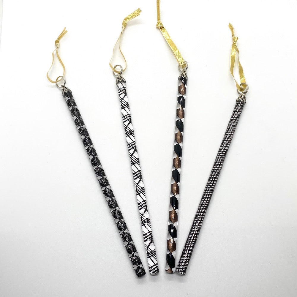 Art Glass Icicles Filigree/Ribbon - BLACK/GOLD