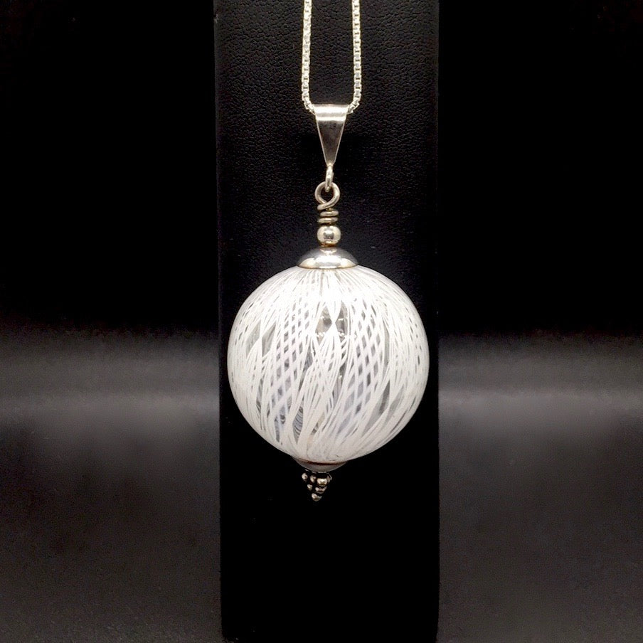 Filigree-Ribbon Hollow Pendant Necklaces - WHITE