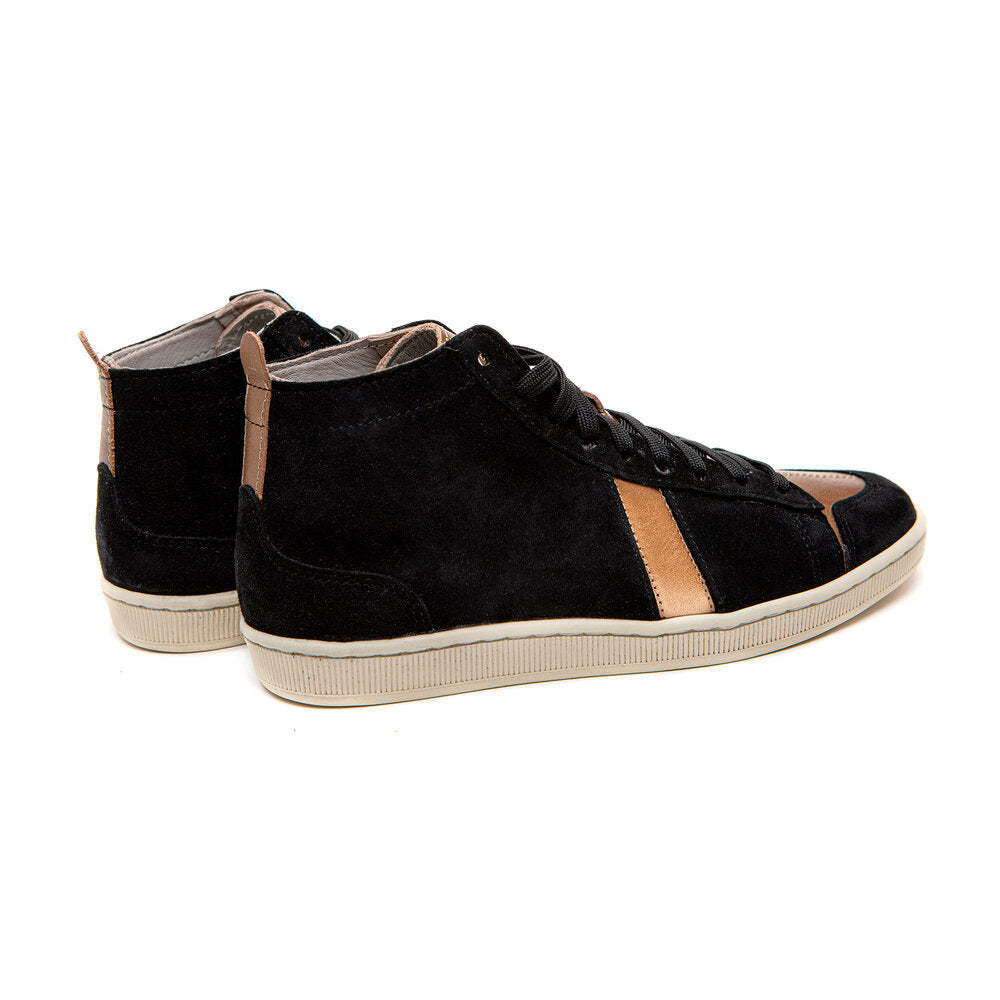 Charger l'image dans la galerie, SAWA SHOES TSAGUE SUEDE BLACK GOLD