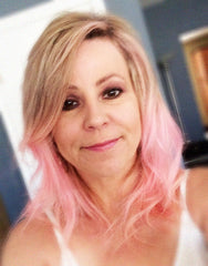 Picture of Cindy's pink hair.