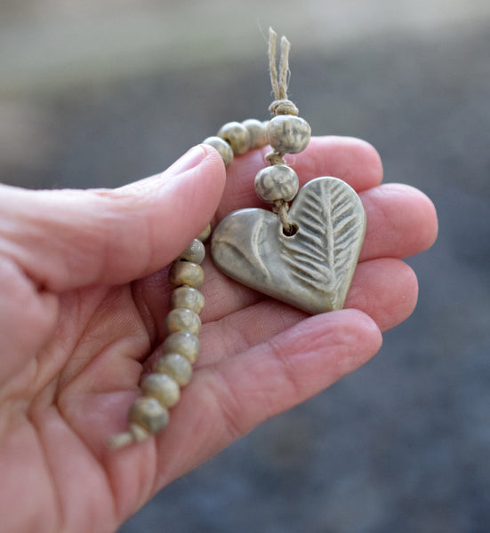 Handcrafted Ceramic Heart Bead set. Gray 21735