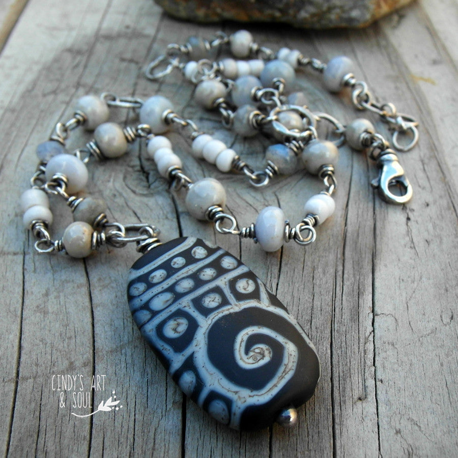 Gray Black Periwinkle Beaded Chain Necklace