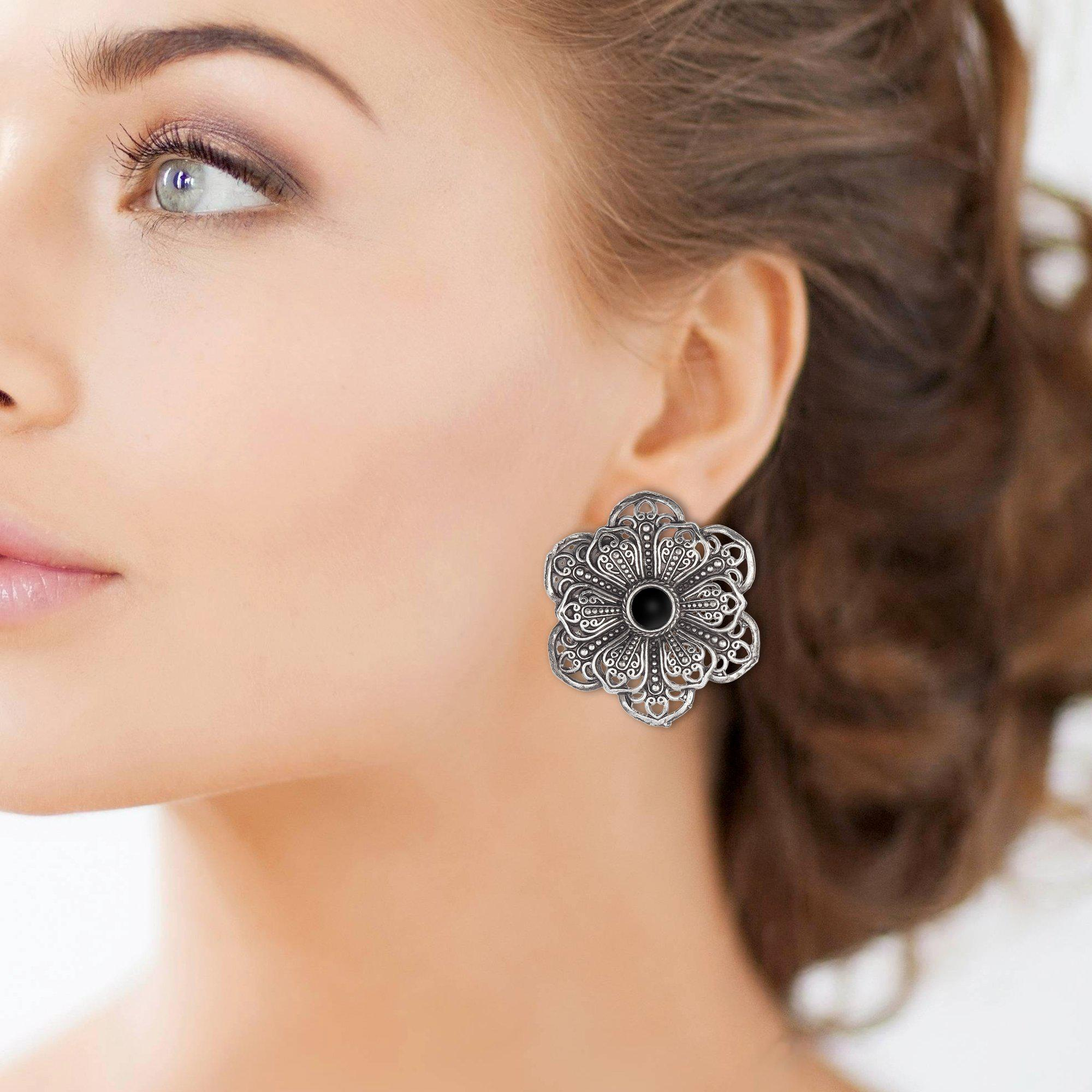 Antique Style Flower Stud