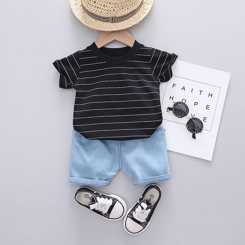 Children Boy 2pcs Solid Pattern Summer Suit T-Shirt & Shorts - PrettyKid
