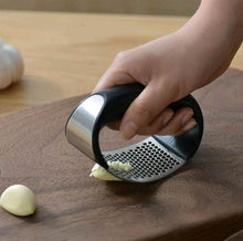 Load image into Gallery viewer, 1pcs Stainless Steel Garlic Press Manual Garlic Mincer Chopping Garlic Tools Curve Fruit Vegetable Tools Kitchen Gadgets