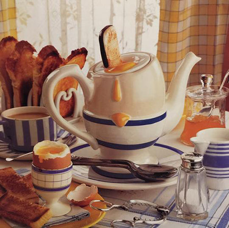 novelty breakfast egg teapot