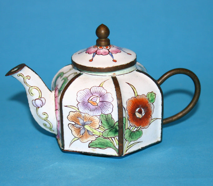 Peking Enamel hexagonal miniature teapot