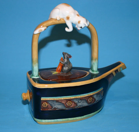 Majolica Cat & Mouse teapot