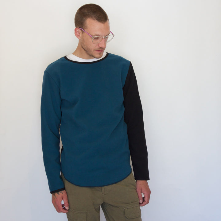 Fleece Pullover | Teal / Black - Is this Menswear?  - 1