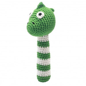 a photo of the product: natureZOO rammelaar dino gehaakt 14 cm groen