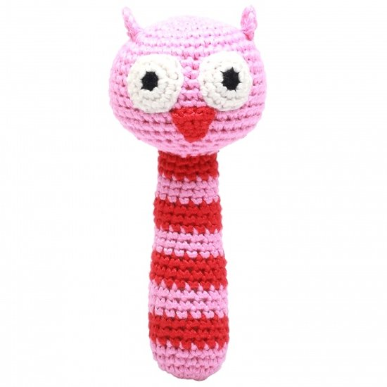 a photo of the product: natureZOO rammelaar uil gehaakt 14 cm roze/rood