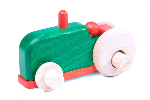 a photo of the product: Nic groene tractor 9,5 cm hout