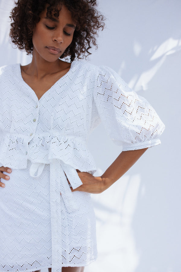 Farrah Cropped Embroidery Blouse