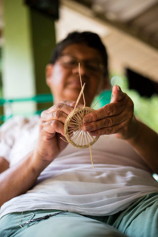 the colombia collective - artisans weaving usiacuri