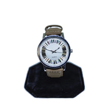 Load image into Gallery viewer, Fashion Quartz Watch in Brown