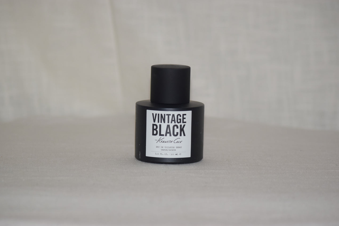 Kenneth Cole Vintage Black Spray Men