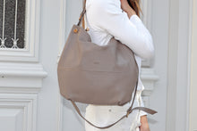 Load image into Gallery viewer, Ophelia Leather Shoulder Bag