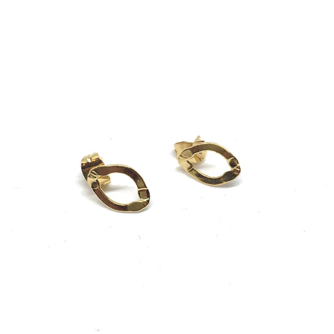 Short golden flat chain earrings