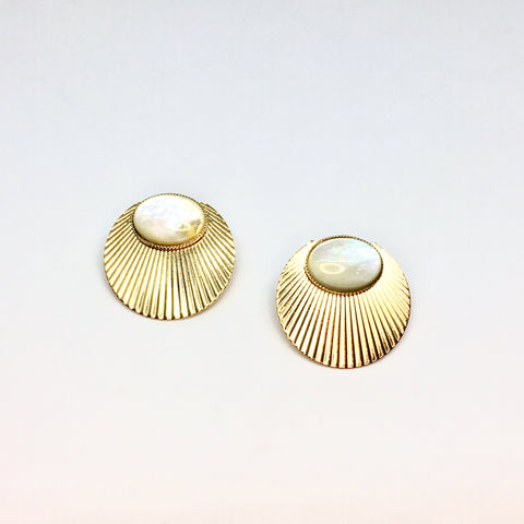 Sun and mother-of-pearl earrings