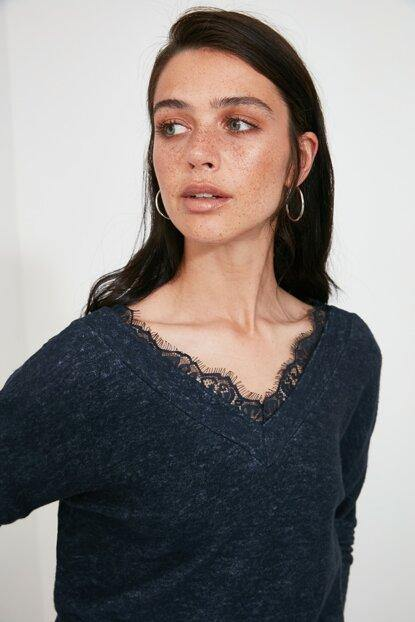 Women's Lace Detail Navy Blue Blouse - Colorful Wings