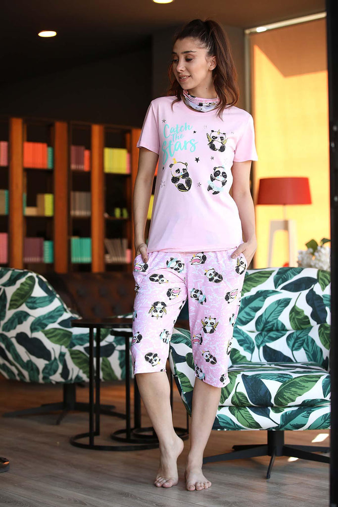 Women's Patterned Pink Pajama Set - Colorful Wings