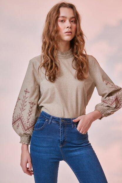 Women's Frill Embroidered Beige Blouse - Colorful Wings
