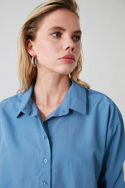 Women's Petrol Relax-Fit Shirt - Colorful Wings