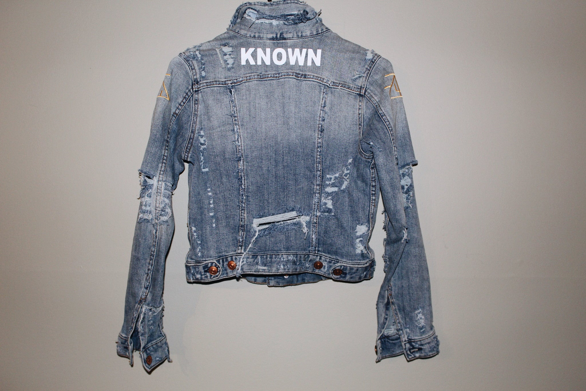 KNOWN Women's Distressed Denim Jacket I
