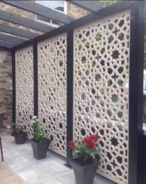 3 Cream geometric designer large screen by Screen With Envy installed in a garden