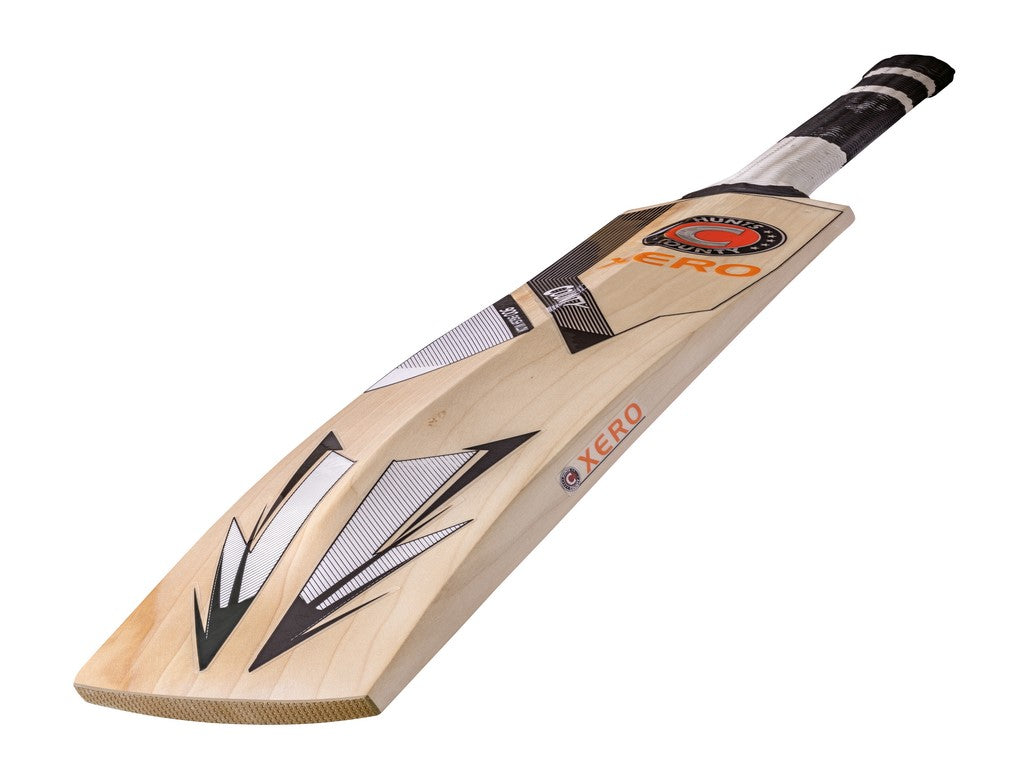 Hunts County Xero 900 Junior Cricket Bat - The Incredible Cricket Company