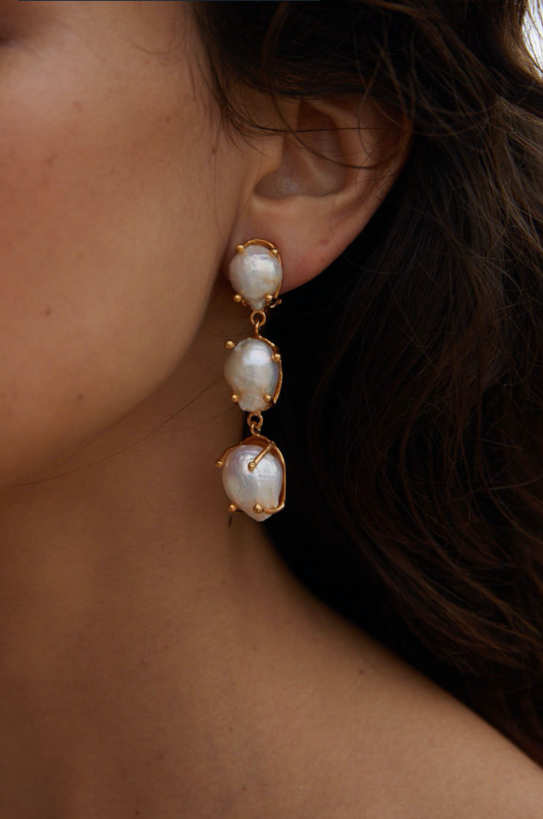 Calliope Earrings Gold & Pearl