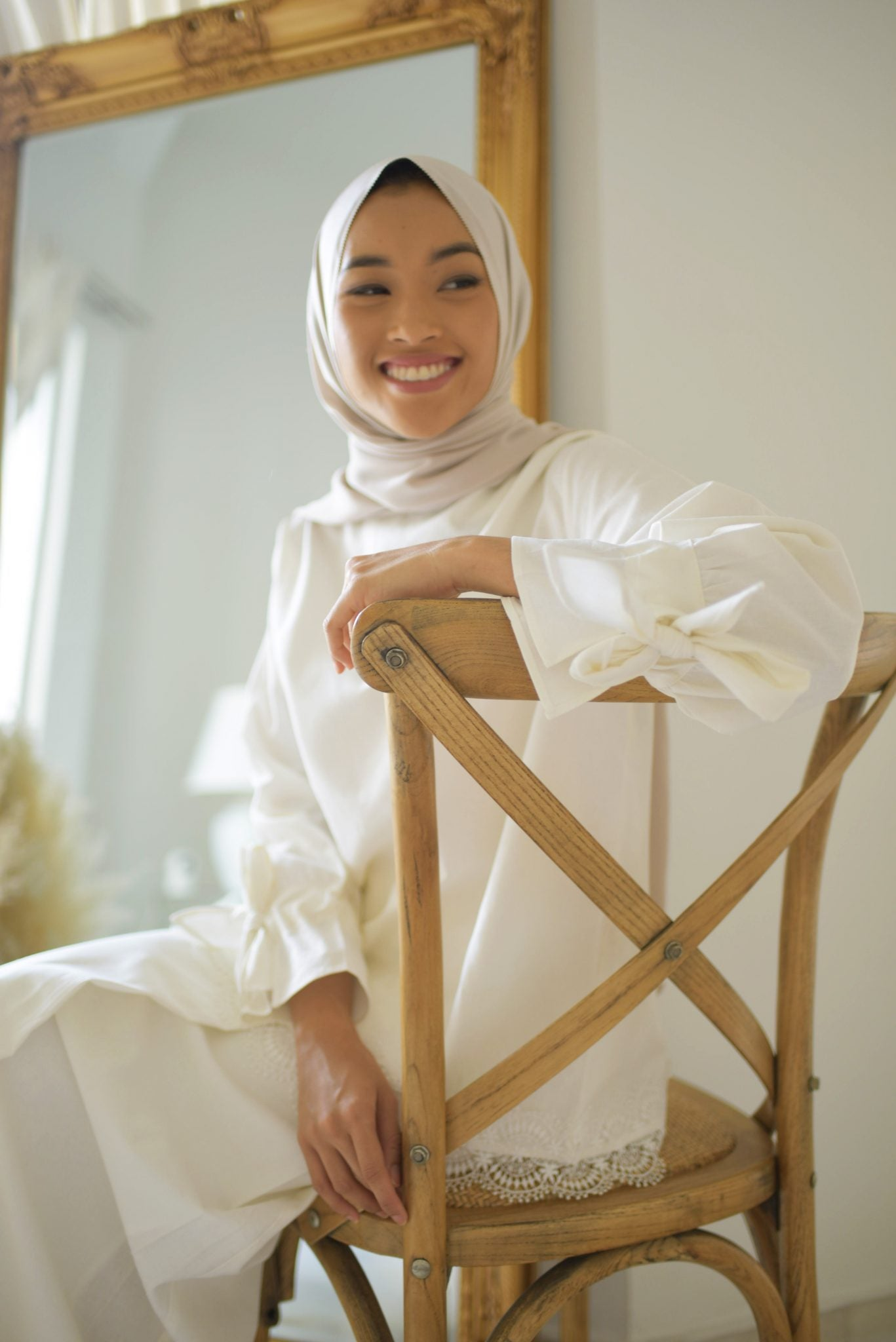 CHARLOTTE KURUNG IN WHITE