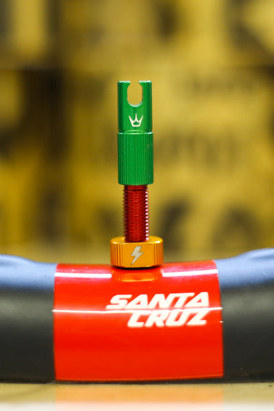 50to01 X Peatys - Tubeless Valves 42mm Rasta Edition