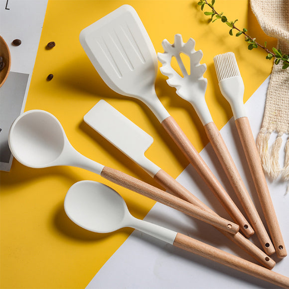 Indispensable Tools in Kitchen