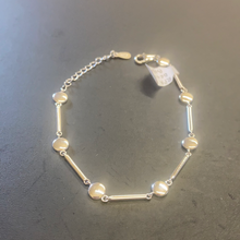 Load image into Gallery viewer, Sterling Silver Bar & Circle Bracelet