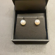 Load image into Gallery viewer, Sterling Silver Pearl Stud Earrings