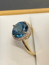 Load image into Gallery viewer, 9ct Yellow Gold London Blue Topaz & Diamond Cluster Ring