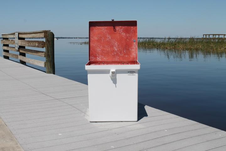 Sea Line Dock Box - 23 x 25'' x 21''
