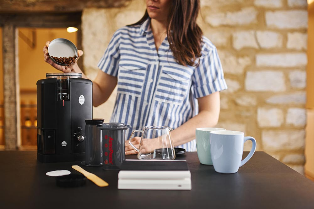 Artisan coffee co aeropress brewguide beans grinder pour image