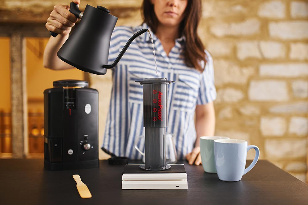Artisan coffee co aeropress brewguide pot scales filtered water stir boil image
