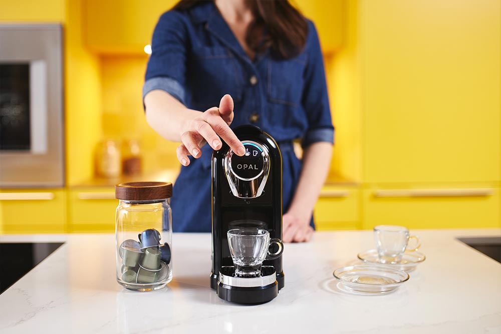Artisan coffee co brew guide pod machine fill water tank filtered espresso cup pouring spout