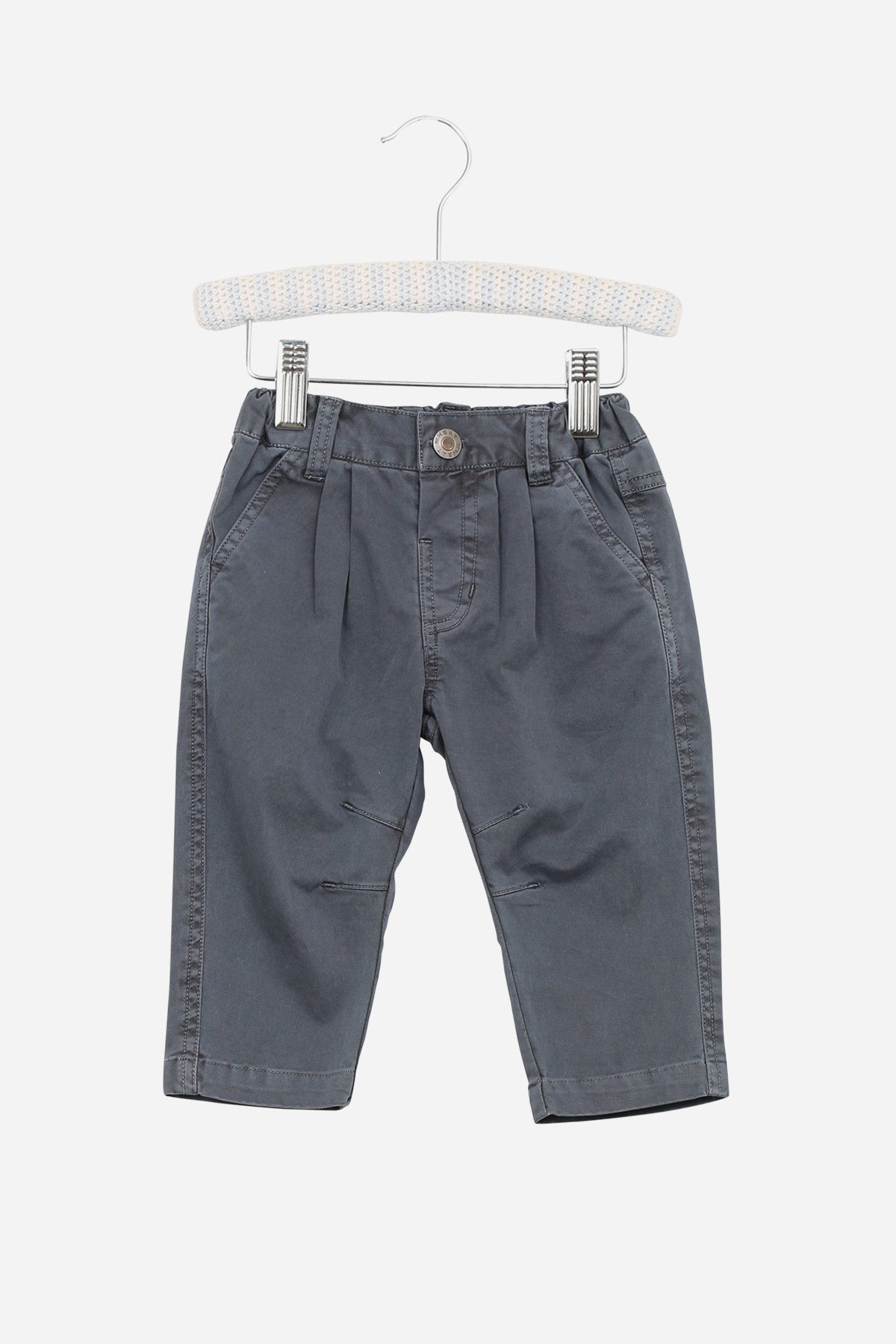 Old Navy has a collection of chino pants that provides a stylish look and a comfortable fit. Choose from chino pants in a wide selection of fabulous styles and colors.
