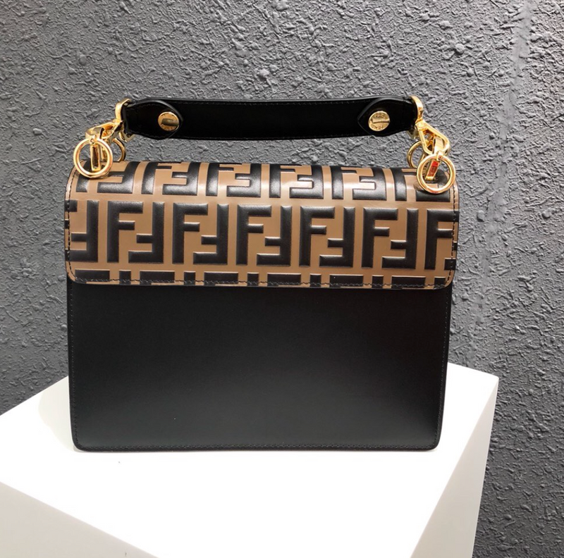 Kan Gold Crossbody