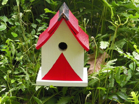 Pagoda Red Birdhouse