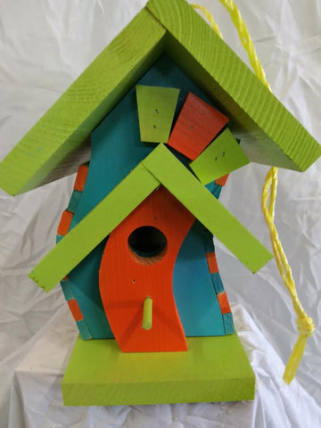 CROOKED BIRDHOUSE